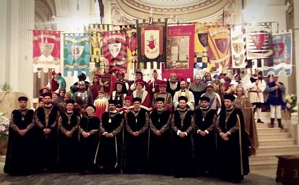 I Priori delle dieci contrade dopo il momento dell'investiture