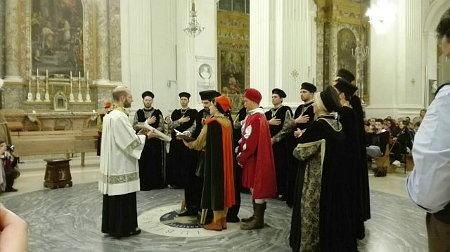 Un momento del giuramento di Priori in cattedrale