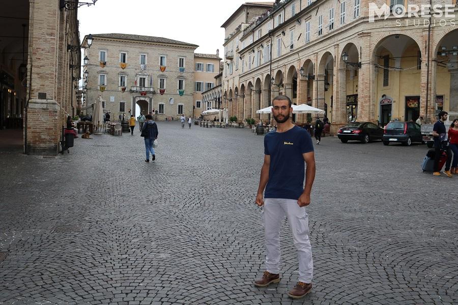Tahir Echik in piazza del Popolo