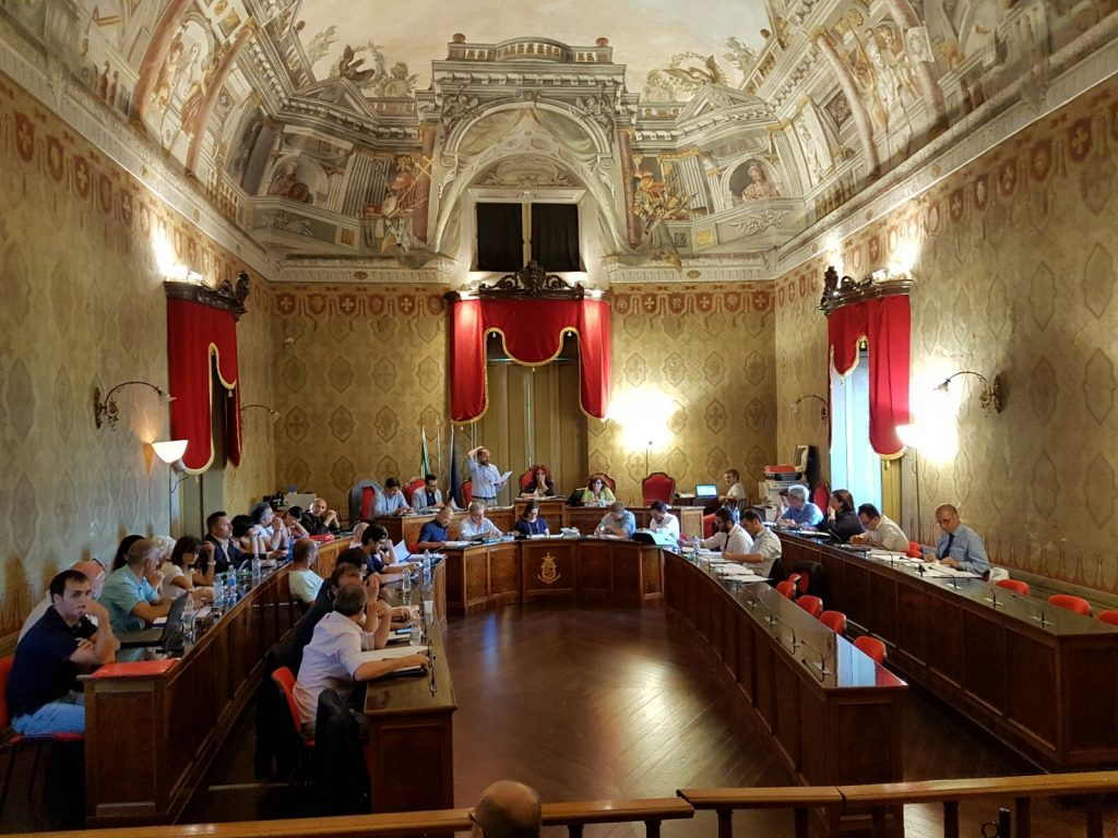 Consiglio comunale Fermo 2