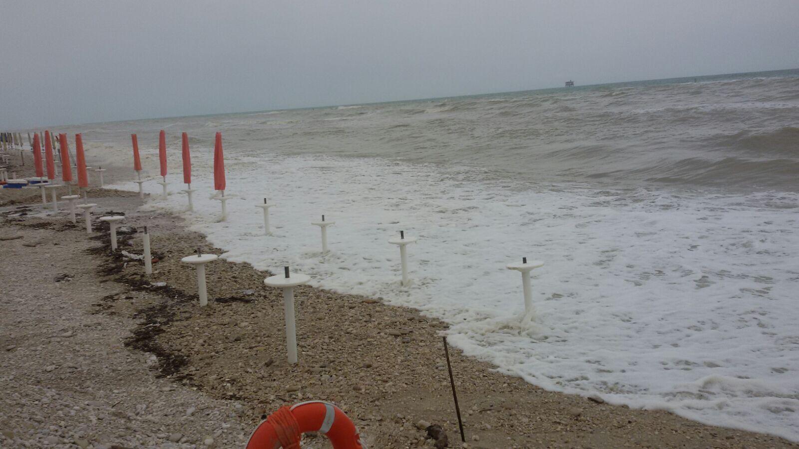La mareggiata di oggi a Porto Sant'Elpidio