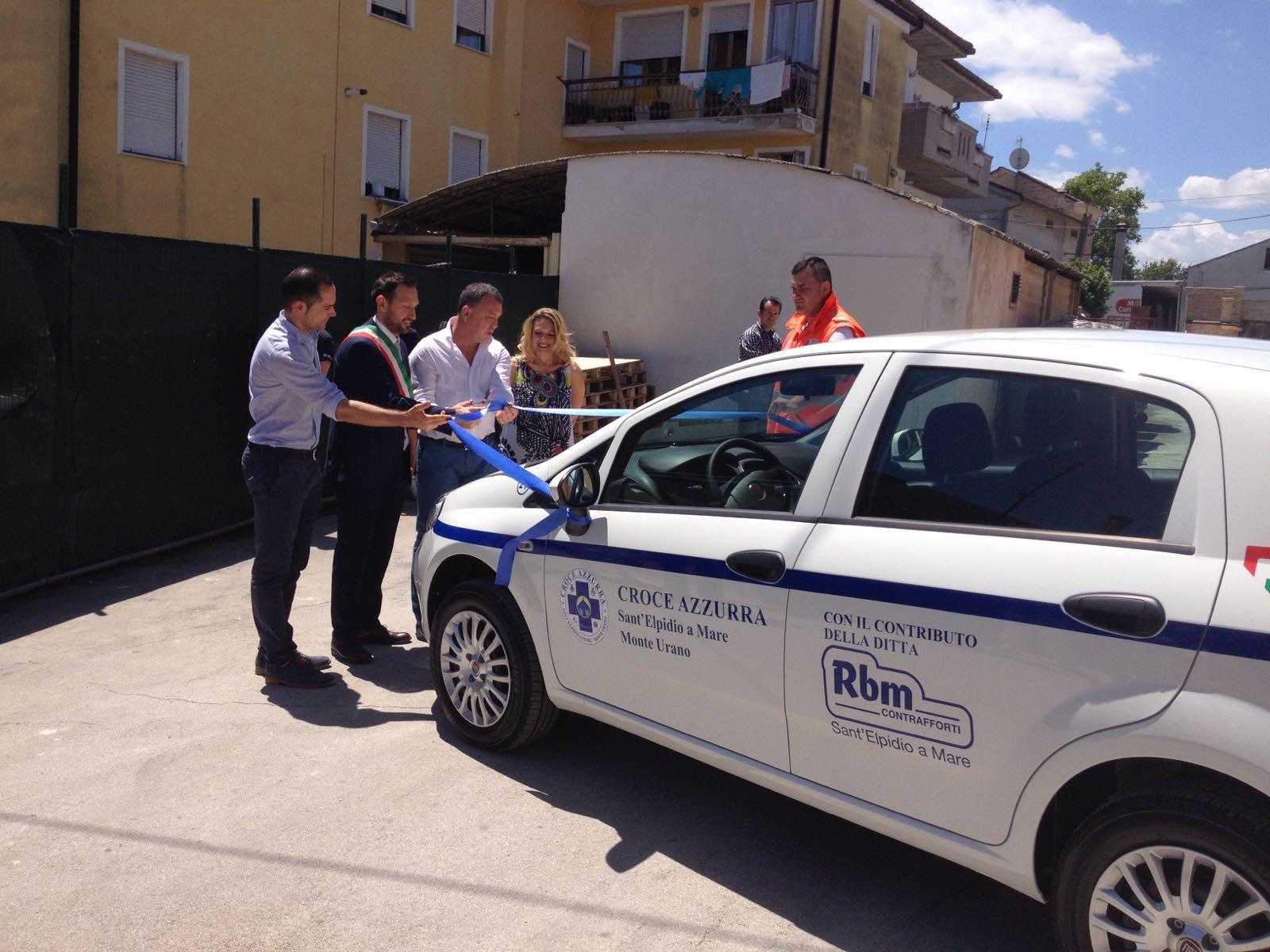 Sant'ELpidio a Mare donazione mezzo Croce Azzurra