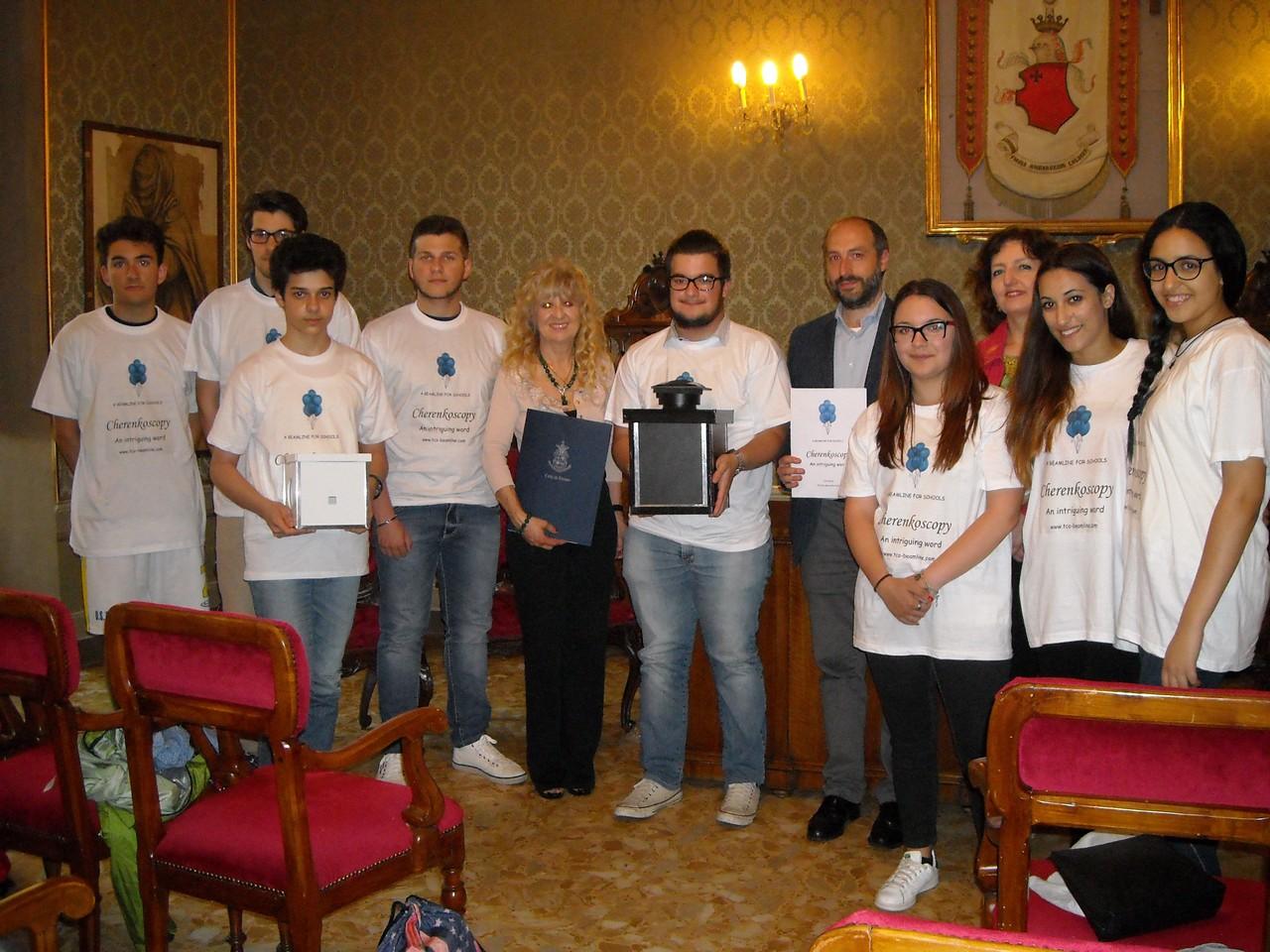 I ragazzi del Liceo Scientifico di Fermo che hanno partecipato al concorso mondiale