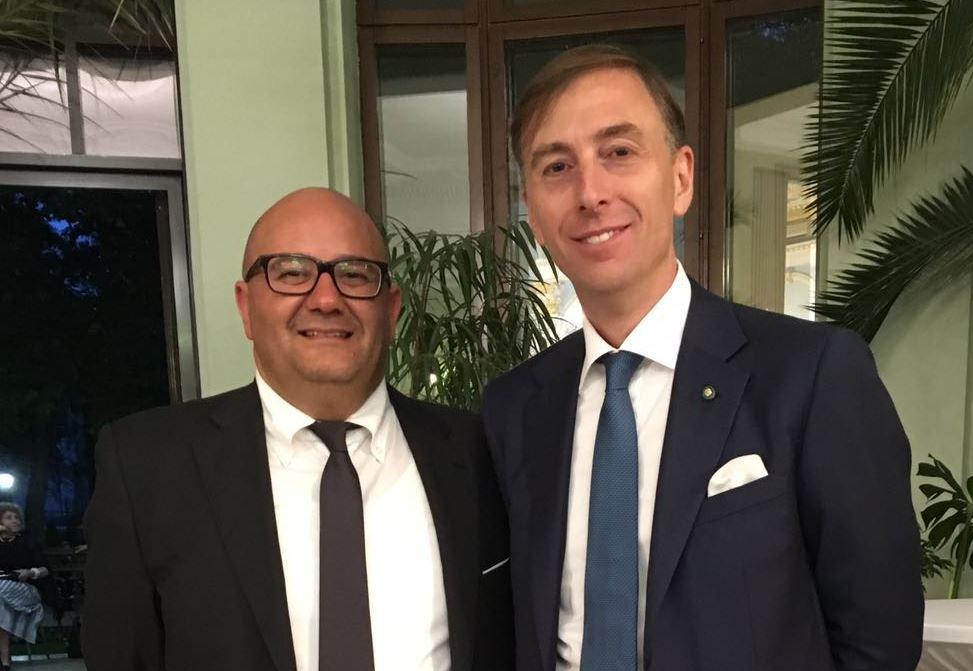 Simone Trasarti e l'ambasciatore Stefano Bianchi
