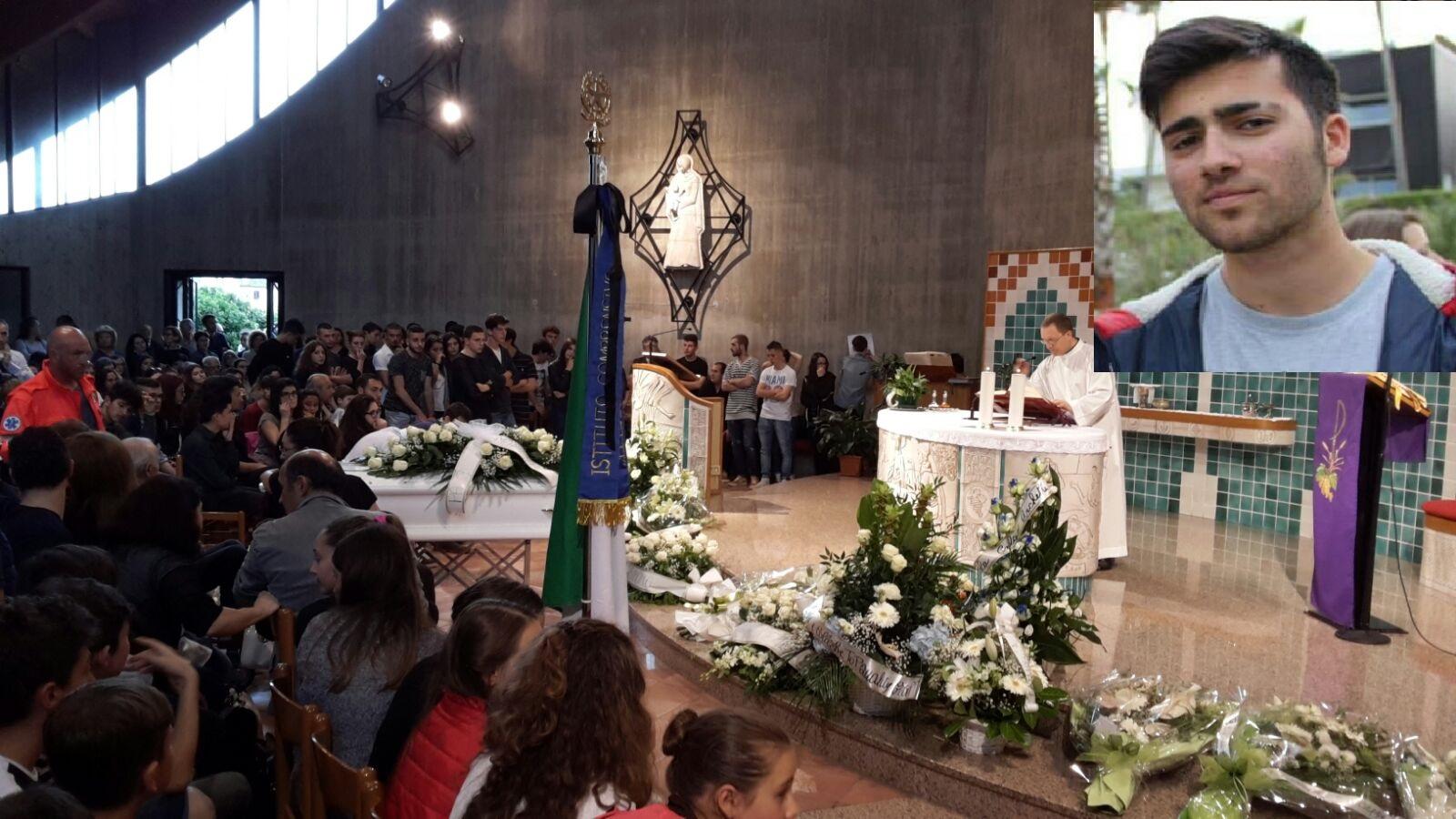 funerale Andrea De Santis