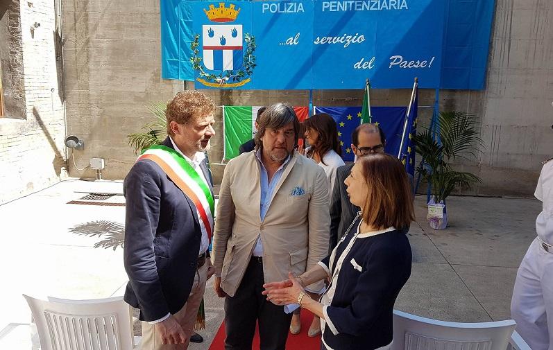 Il Prefetto Di Lullo con l'assessore Giampieri e l'educatore Nicola Arbusti