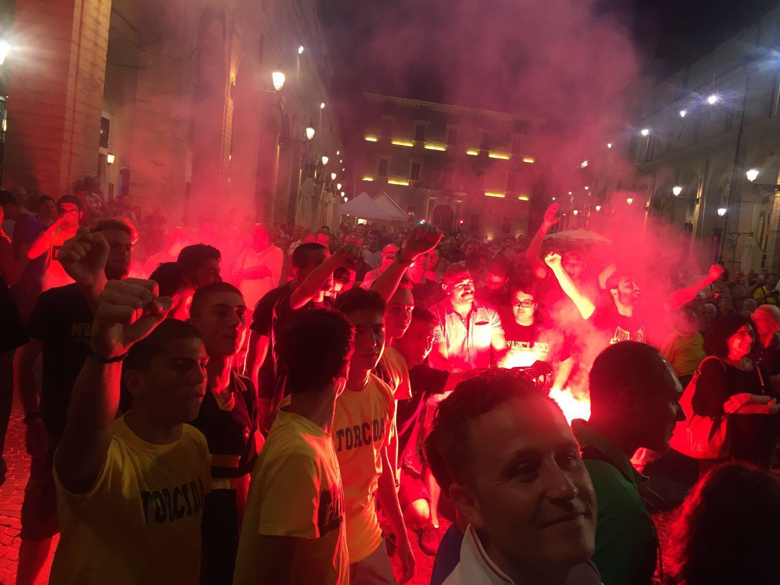 I tifosi in piazza