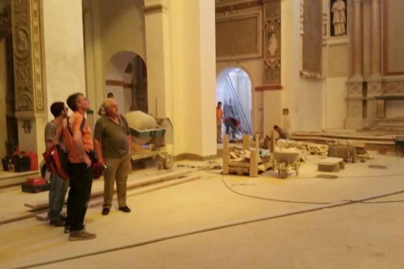 All'interno proseguono i lavori di restauro