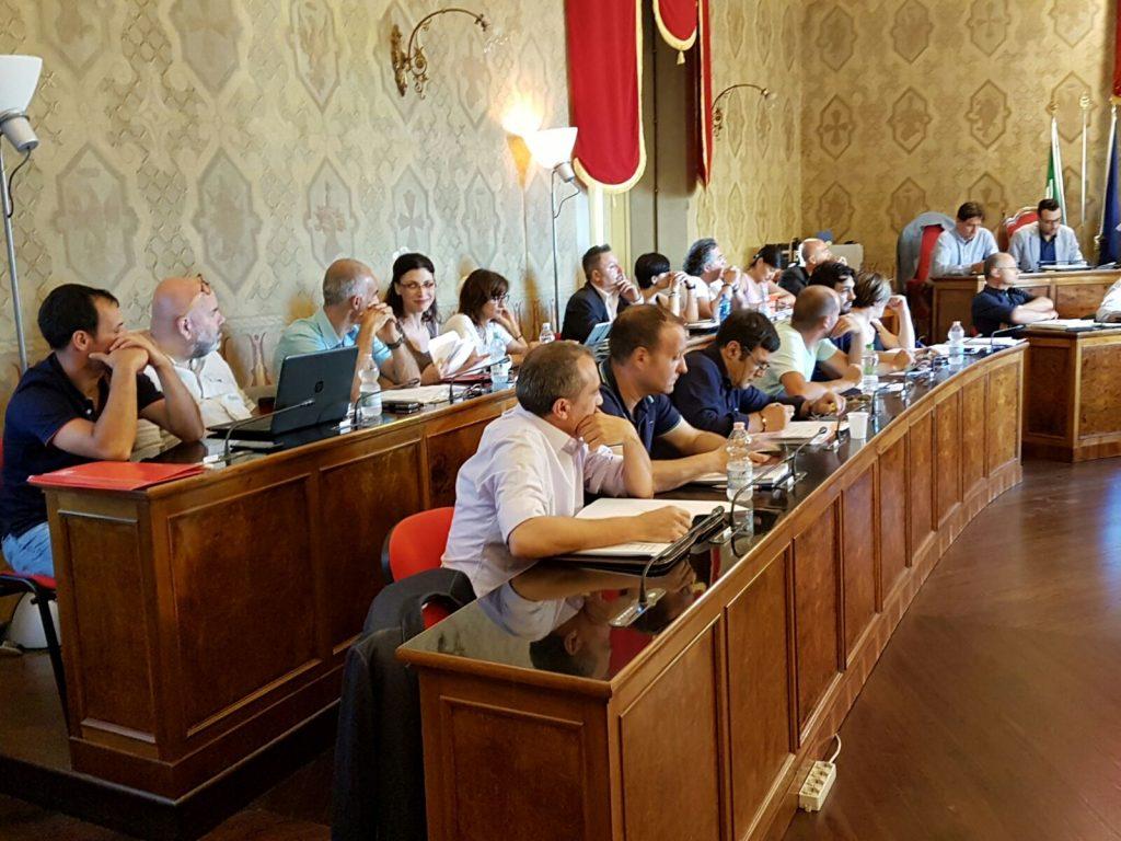 maggioranza consiglio comunale Fermo
