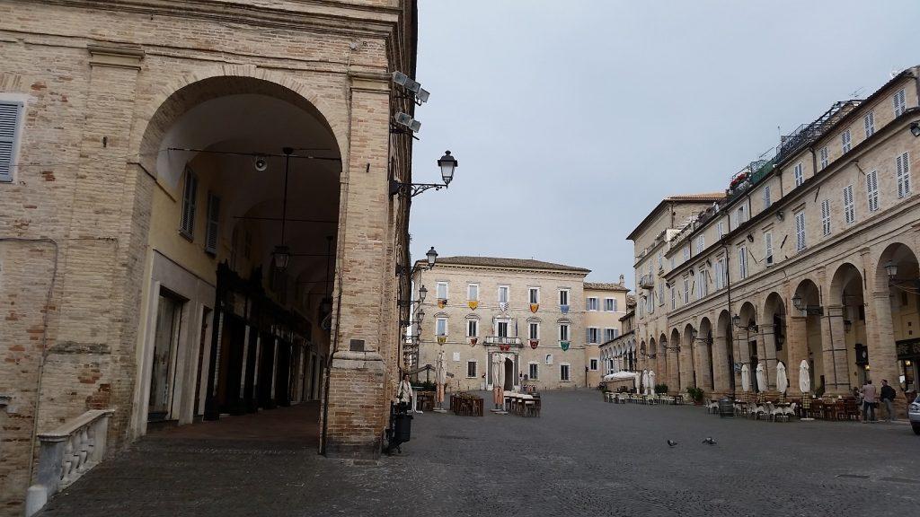 piazza Fermo