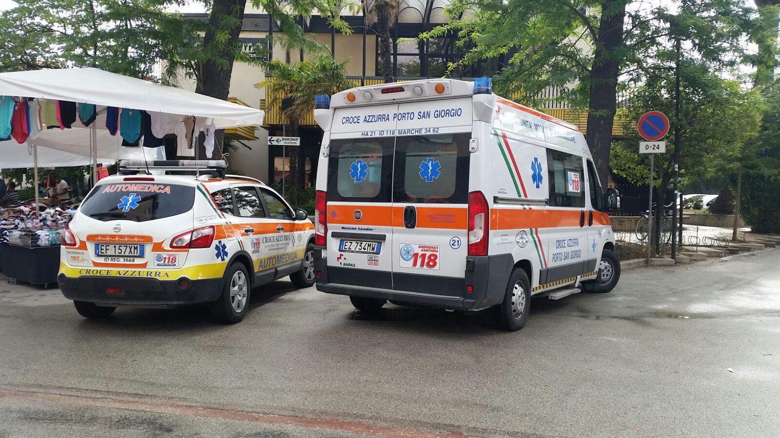I mezzi di soccorso questa mattina in centro a Porto San Giorgio