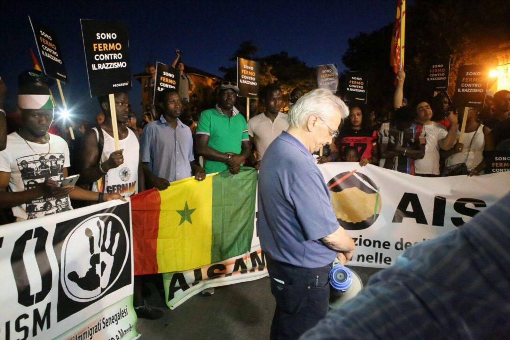 manifestazione razzismo Don Vinicio