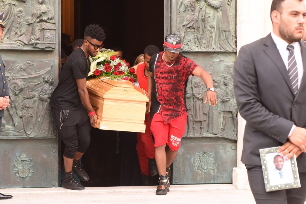 uscita funerale emmanuel