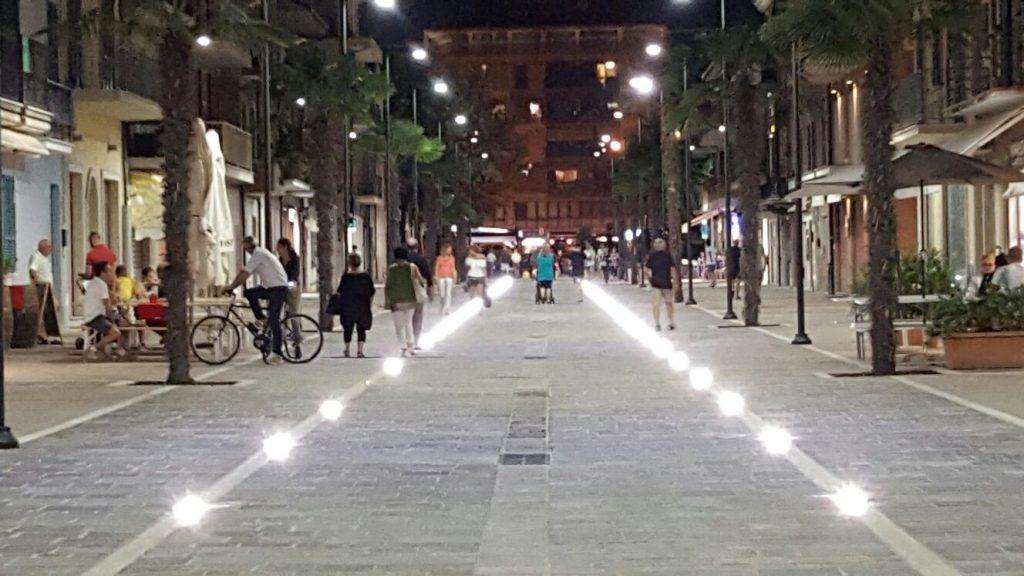 Via Cesare Battisti Porto Sant'Elpidio Notte