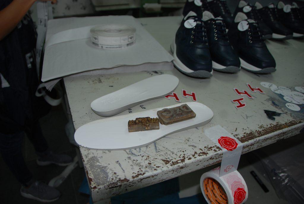 finanza falso scarpe 3