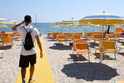 spiaggia mare - passerella ombrelloni - pse (1)