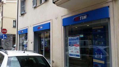 negozio tim furto