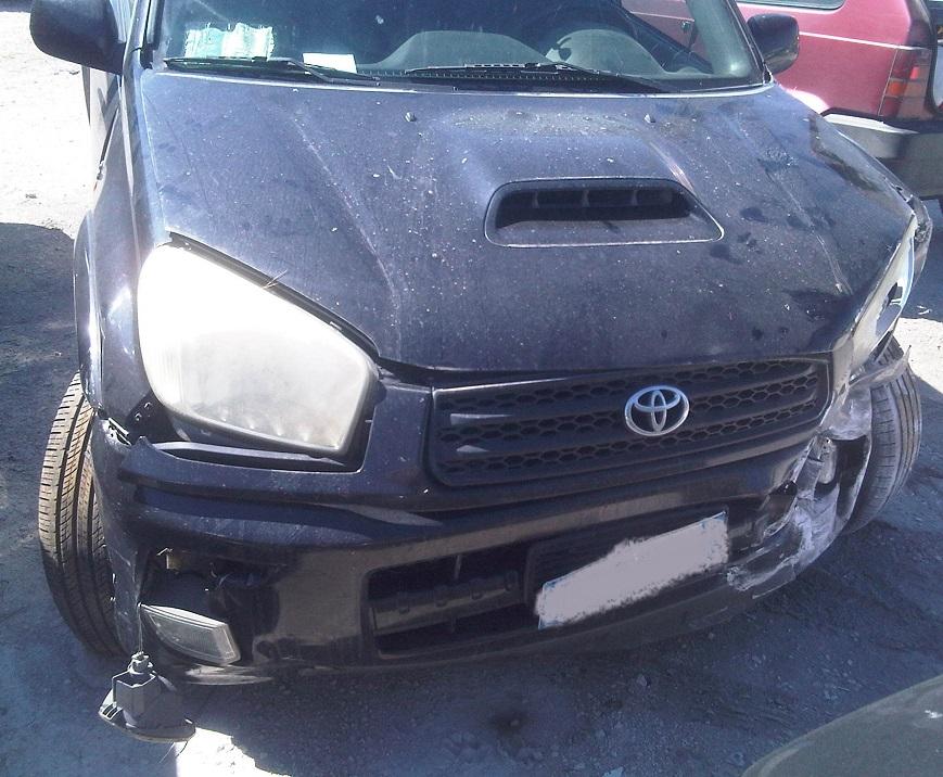 Auto distrutta 4