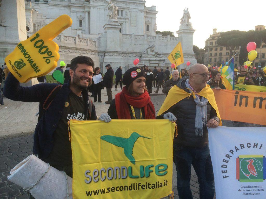 La presidente regionale di LEgambiente Francesca Pulcini, il presidente del circolo fermano Andrea Bagalini e Lanfranco Giacchetti
