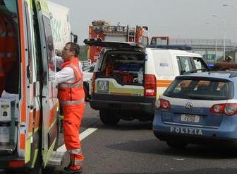 ambulanza polizia autostrada