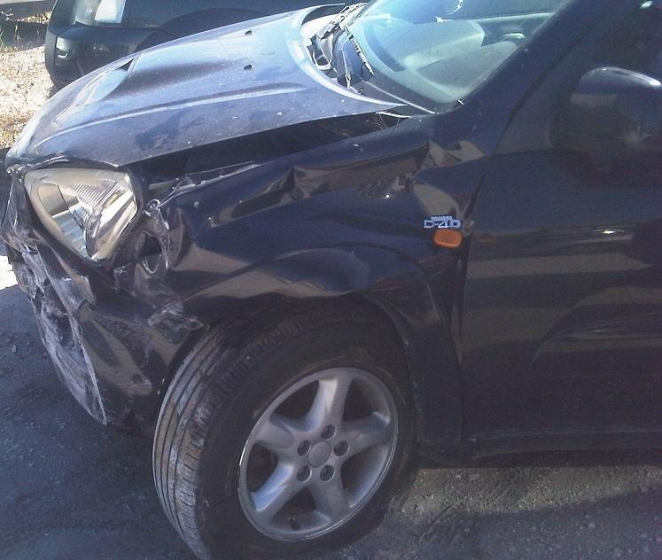 auto distrutta 2