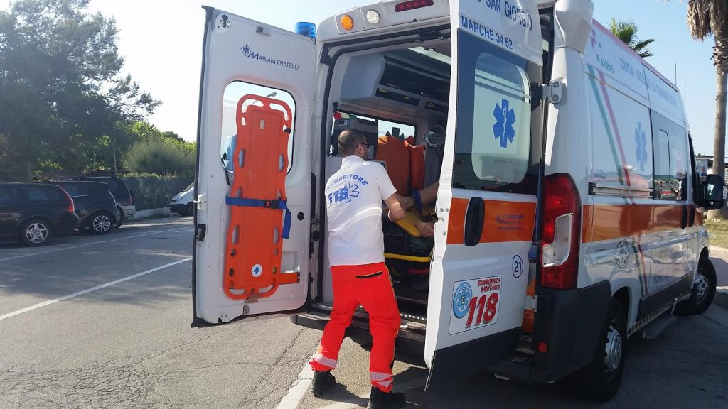 croce azzurra ambulanza