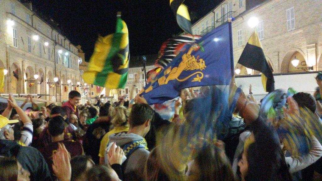 flash mob piazza cavalcata
