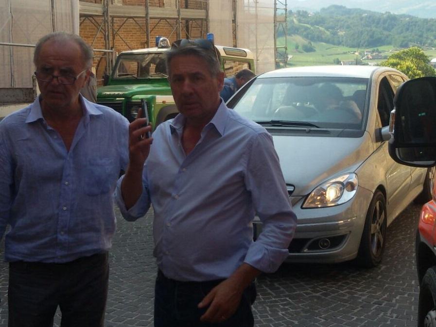 Marinangeli con il sindaco di Montefortino, Domenico Ciaffaroni, arrivato sul posto