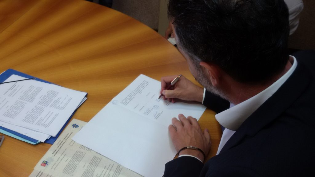 Campofilone Hostivice sindaco firma