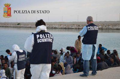immigrati polizia