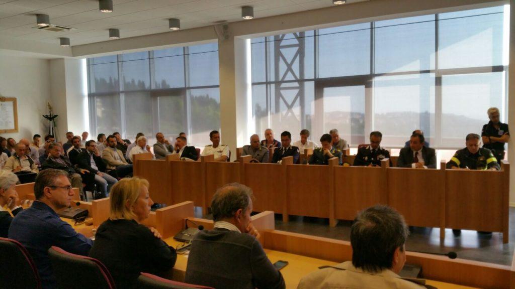 riunione-terremoto-sindaci-provincia-5