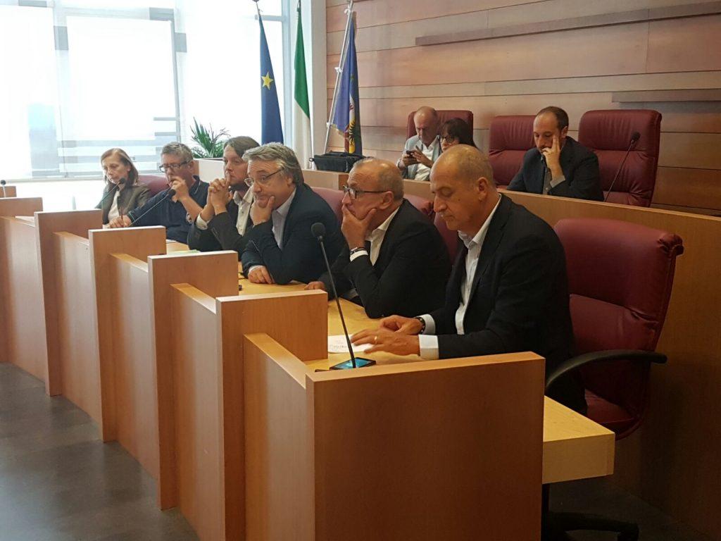 riunione-terremoto-sindaci-provincia-8