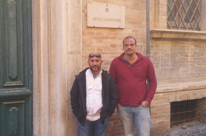 Martino Paniconi (sx) e Marco Bordoni all'ingresso del tribunale di Fermo