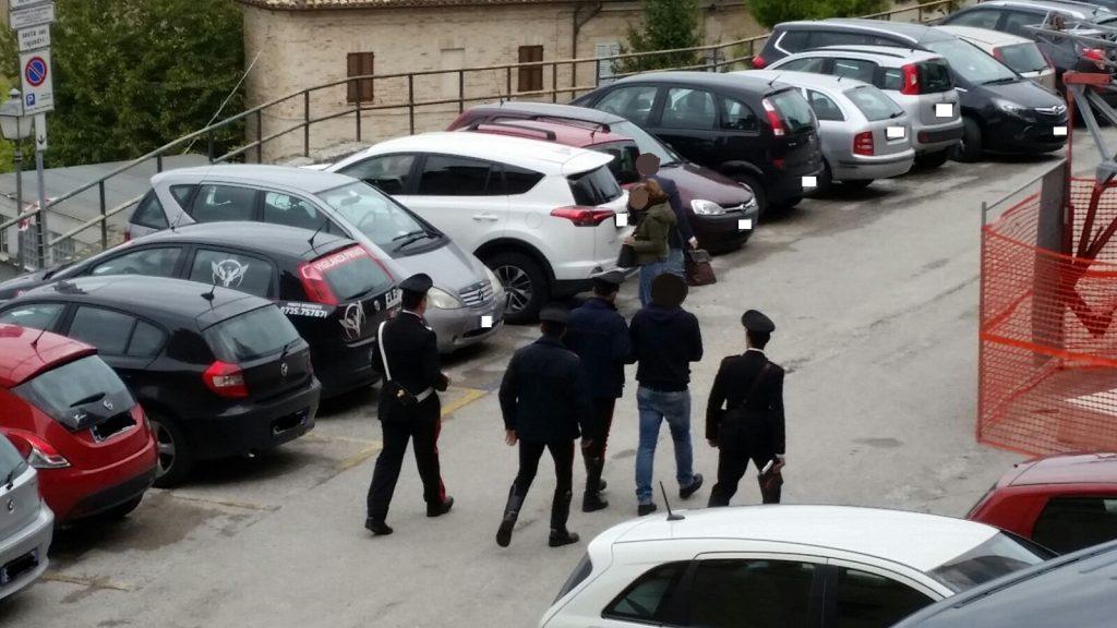 Il 33enne accompagnato questa mattina in tribunale dai carabinieri