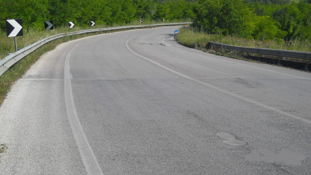 mezzina-strada-asfalto-lavori