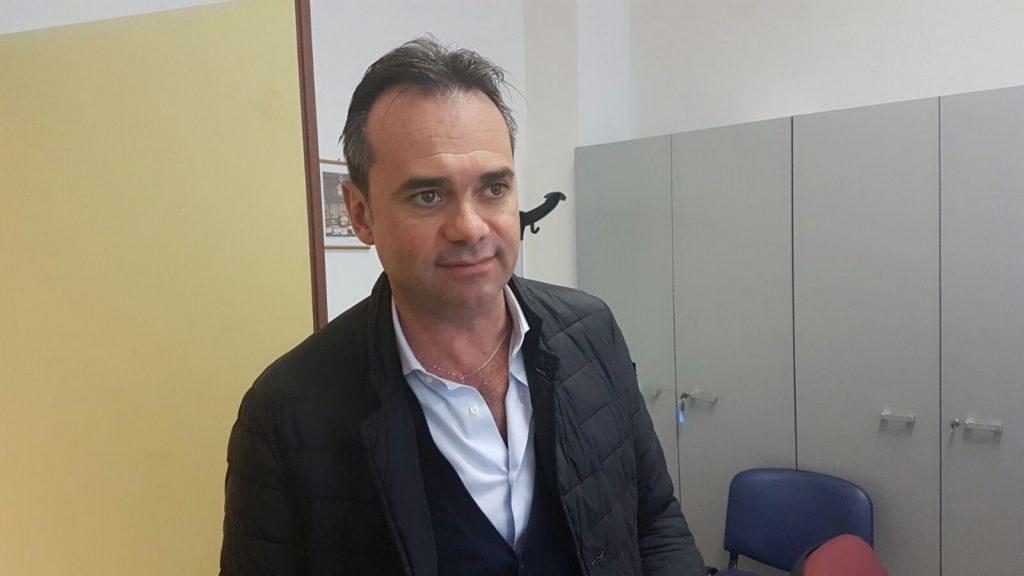 Il sindaco di Porto San Giorgio, Nicola Loira