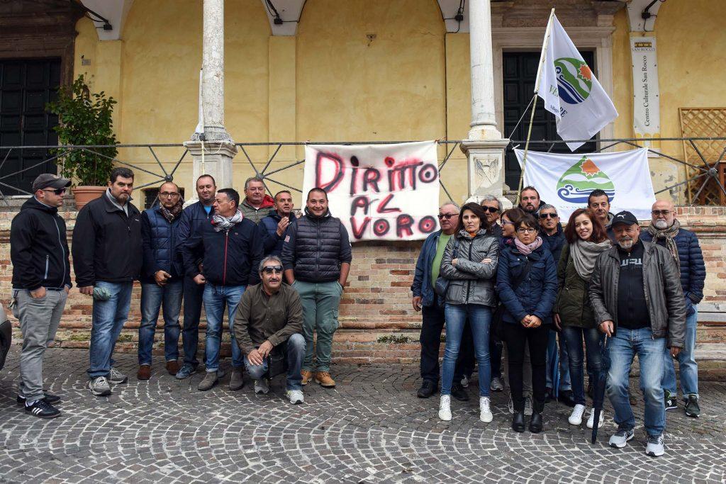 protesta-verdemare-comune-fermo-2