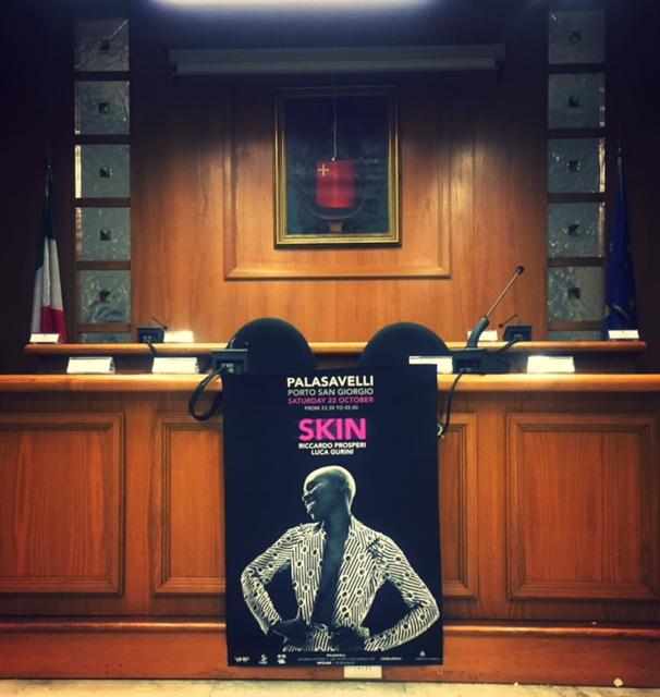IL manifesto di Skin nel COmune di Porto San Giorgio