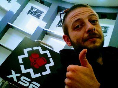 Marco Eleuteri e il logo di Extreme Store Boxing