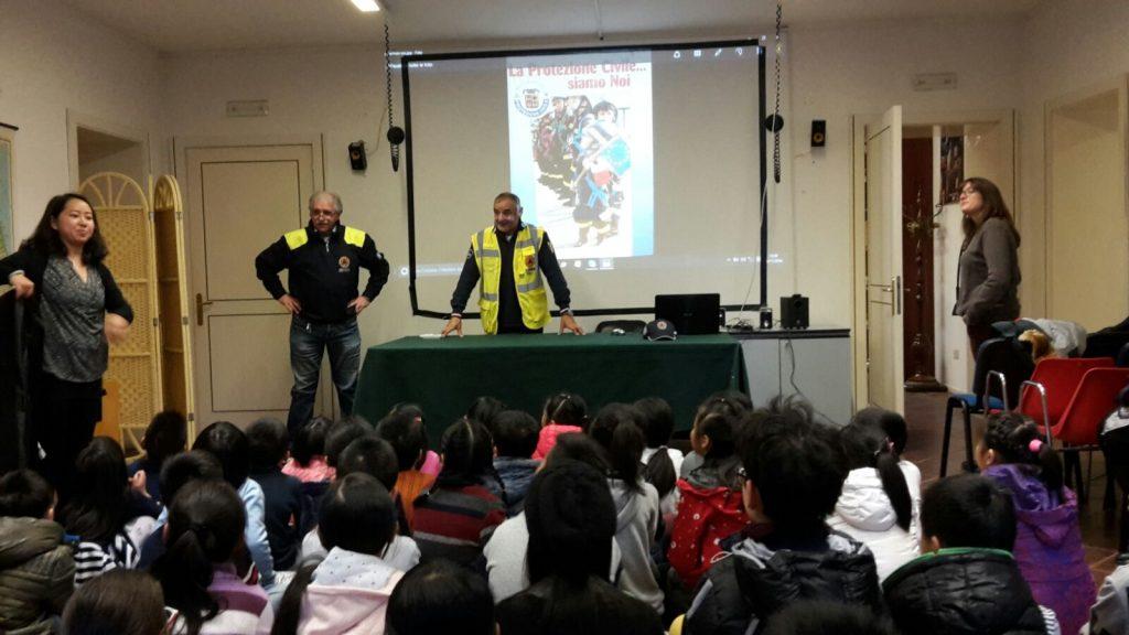bambini-cinesi-lezione-terremoto-porto-santelpidio-protezione-civile