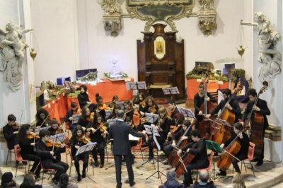 l'Orchestra d'archi junior del Conservatorio di Fermo nel concerto di Natale del 2015 a Sant'Elpidio a Mare