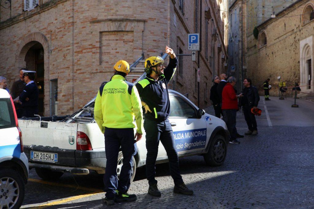 terremoto-fermo-sopralluogo-piazzetta-san-zenone-santagostino-2