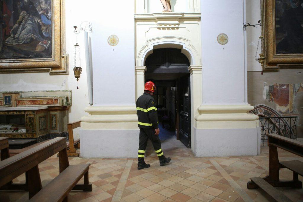 terremoto-fermo-sopralluogo-piazzetta-san-zenone-santagostino-9
