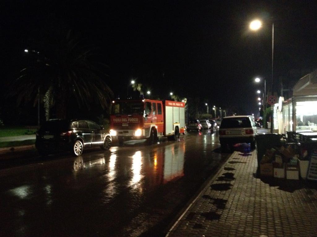 investimento-lungomare-notte-ambulanza-porto-santelpidio-2-ok
