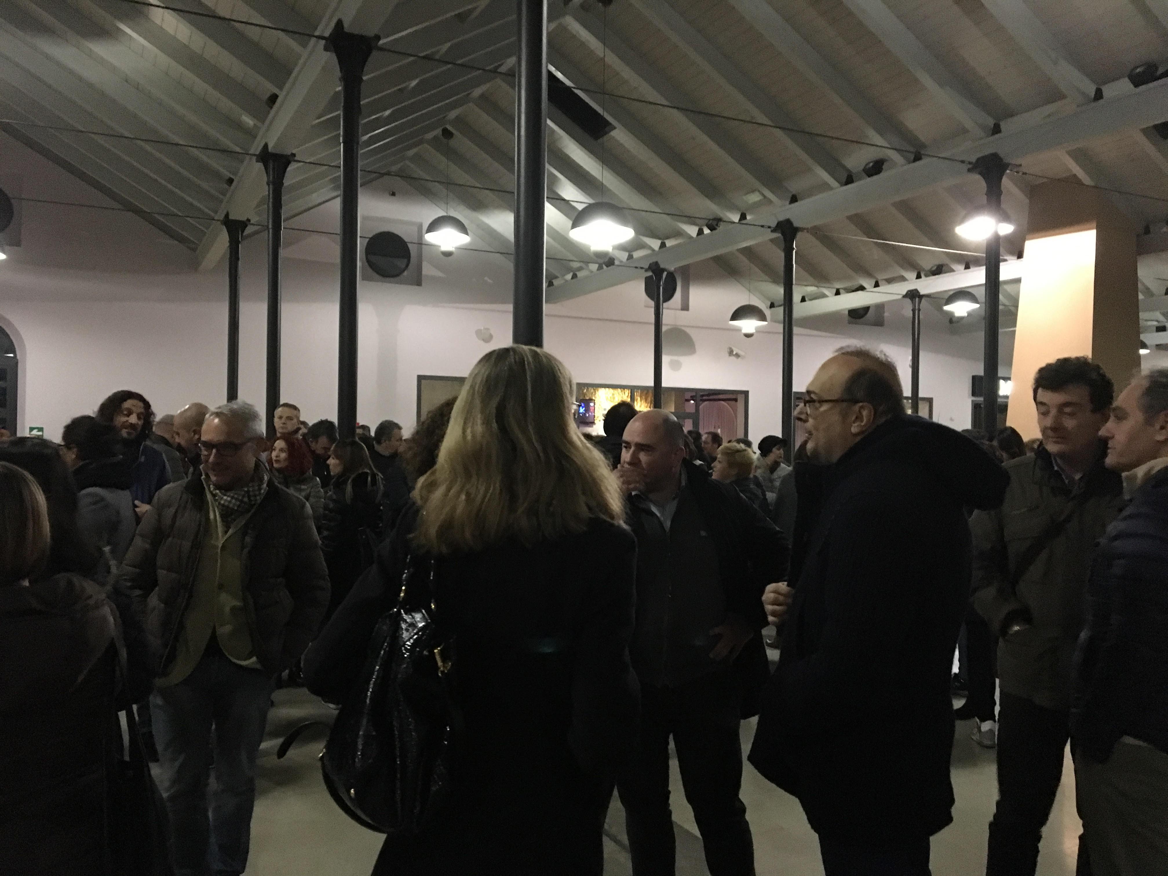 I partecipanti all'incontro a Piazza Sagrini