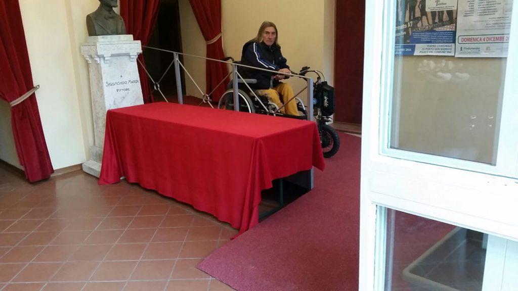 barriere-teatro-porto-san-giorgio-pedana-disabili-3