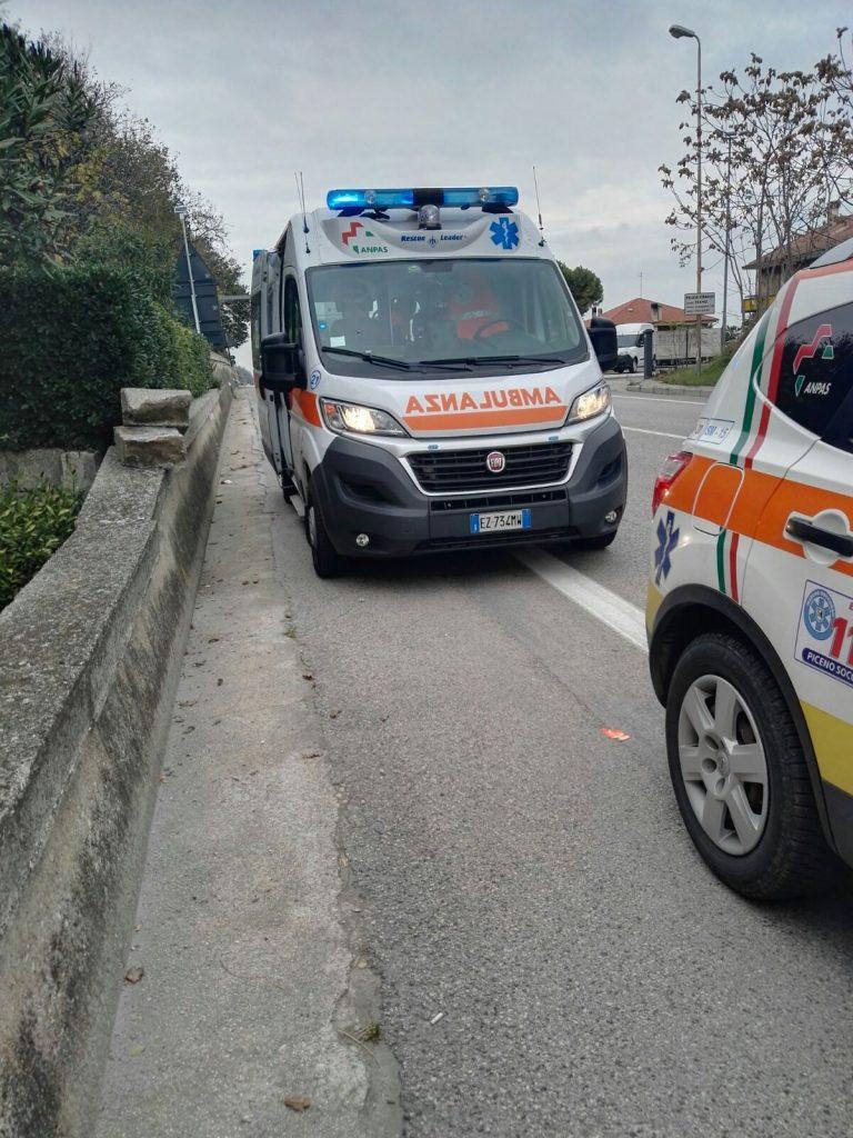ambulanza-auto-medica-statale-croce-azzurra