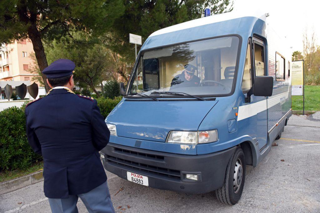 polizia-sciamanna-lido-tre-archi-6