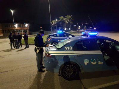 Polizia-controlli-prostituzione-Fratte-Porto-SantElpidio-notte-4-400x300