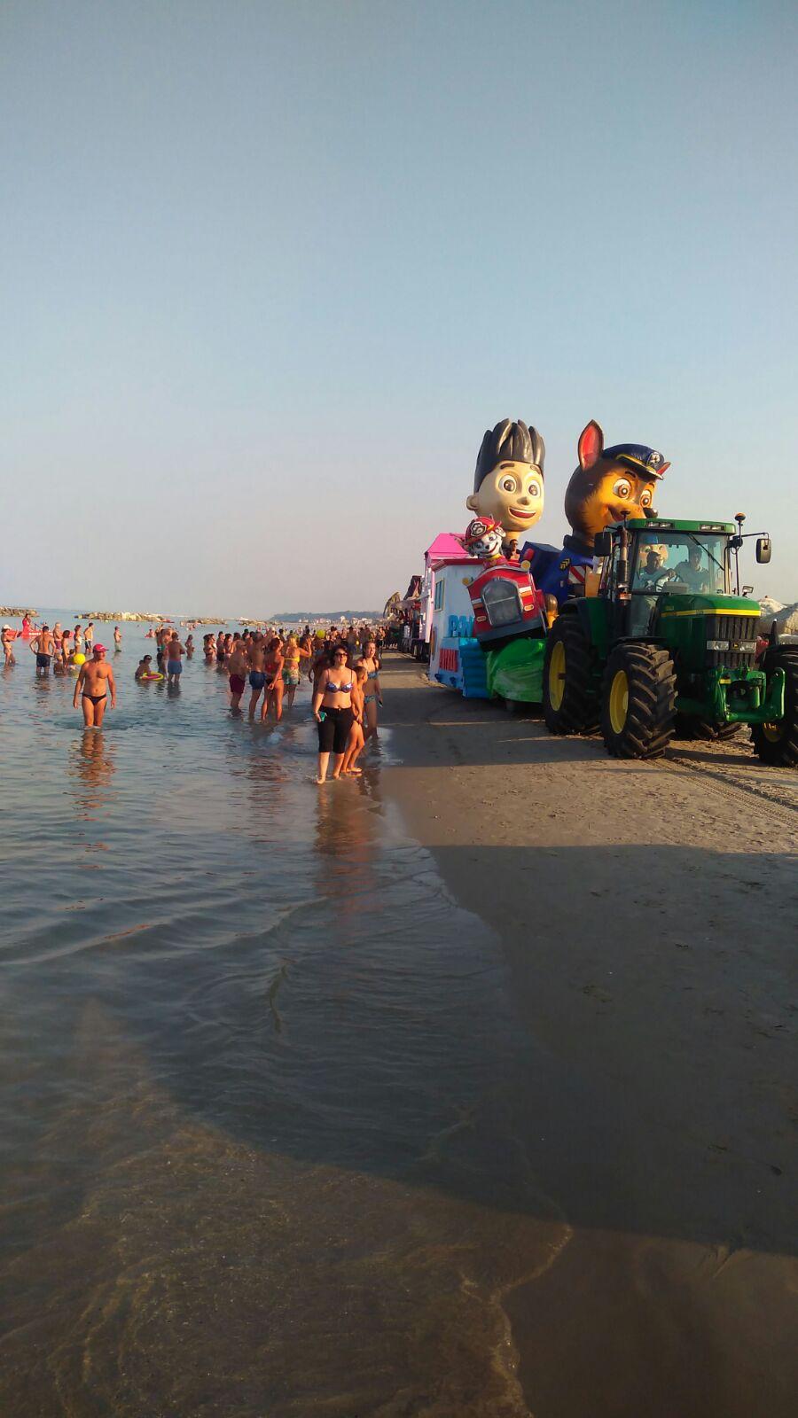 Il Carnevale Del Mare Colora La Costa Fermano Elpidiense Monte